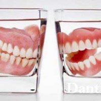 Нужно ли снимать на ночь зубные протезы?