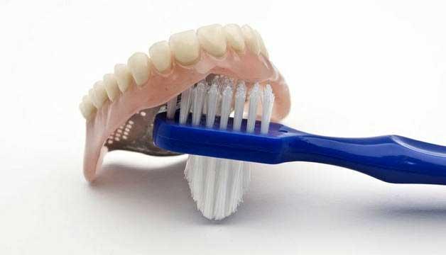средства для зубных протезов