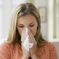 Что может вызвать аллергию на зубные протезы?