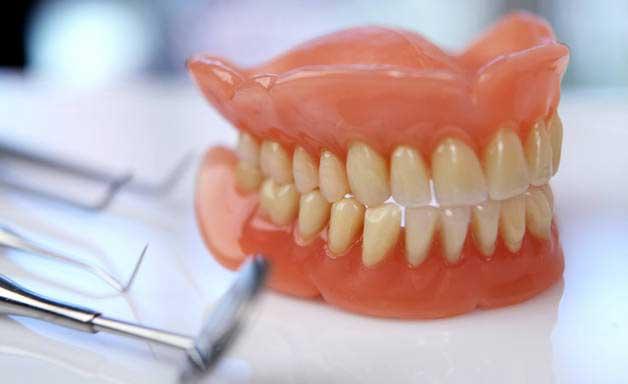 аллергия на зубные протезы что делать