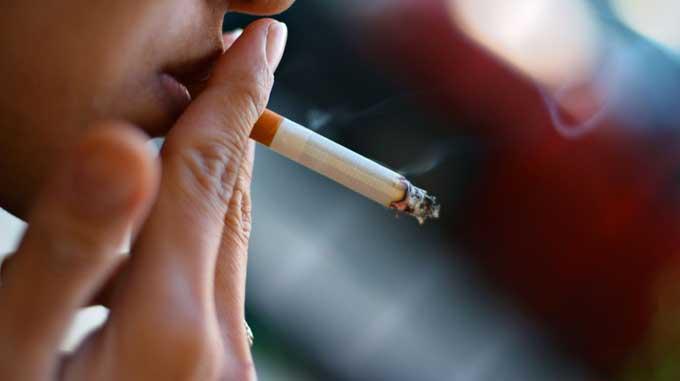 курение - причина отторжения импланта