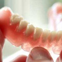 Мягкий зубной протез – выбор между эстетикой и комфортом