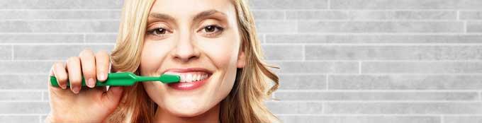 уход за имплантами зубов