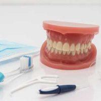 Какие современные зубные протезы самые надежные?