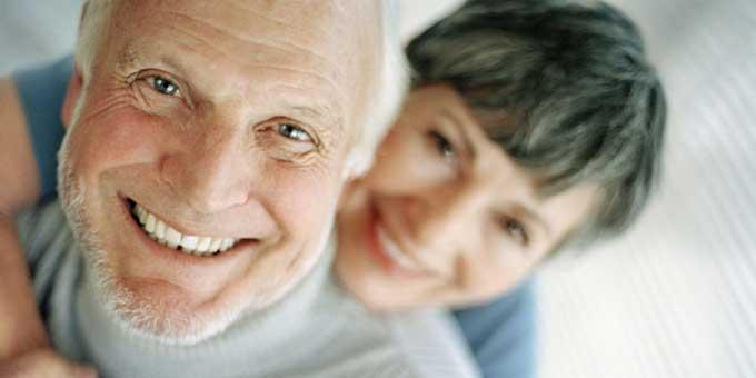 как ухаживать за съемными зубными протезами