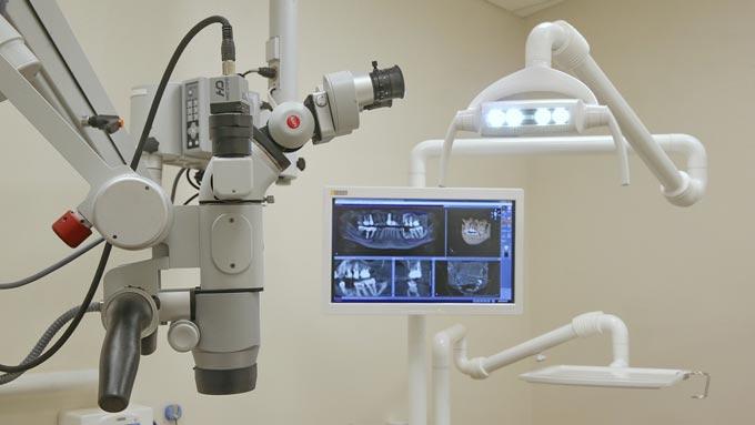 лечение зуба под микроскопом
