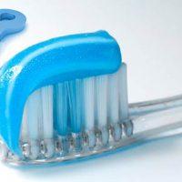 Достоинства и недостатки популярных абразивных зубных паст
