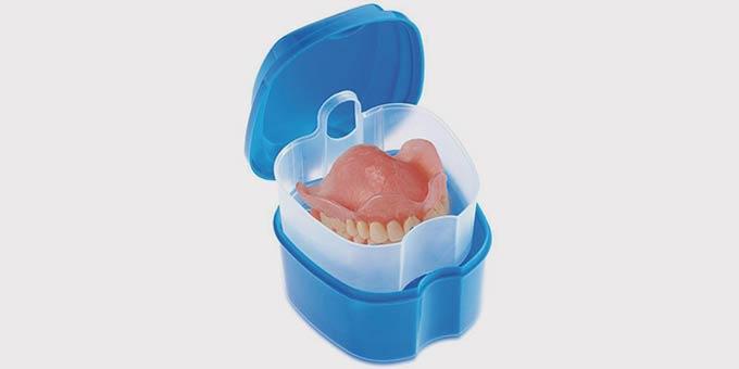 контейнер для вставной челюсти