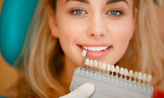 от чего желтеют зубы