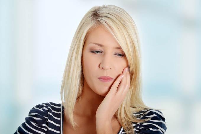 от чего ломит зубы